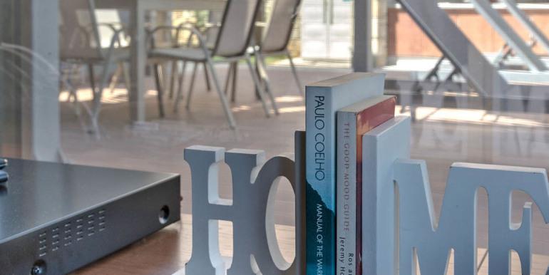 books-detail-1