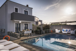 SeaSide 4 bedroom Villas