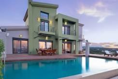 Exclusive 6 bd Villa