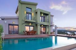 Exclusive 6 bd Villa