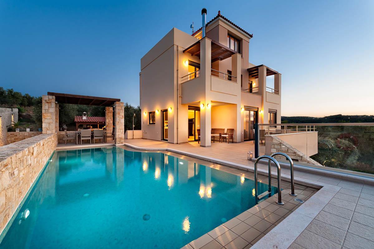 GiAnna 5bd + Attic Luxury Villa