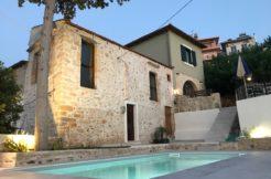 Kirke 4 Bd Traditional Villa
