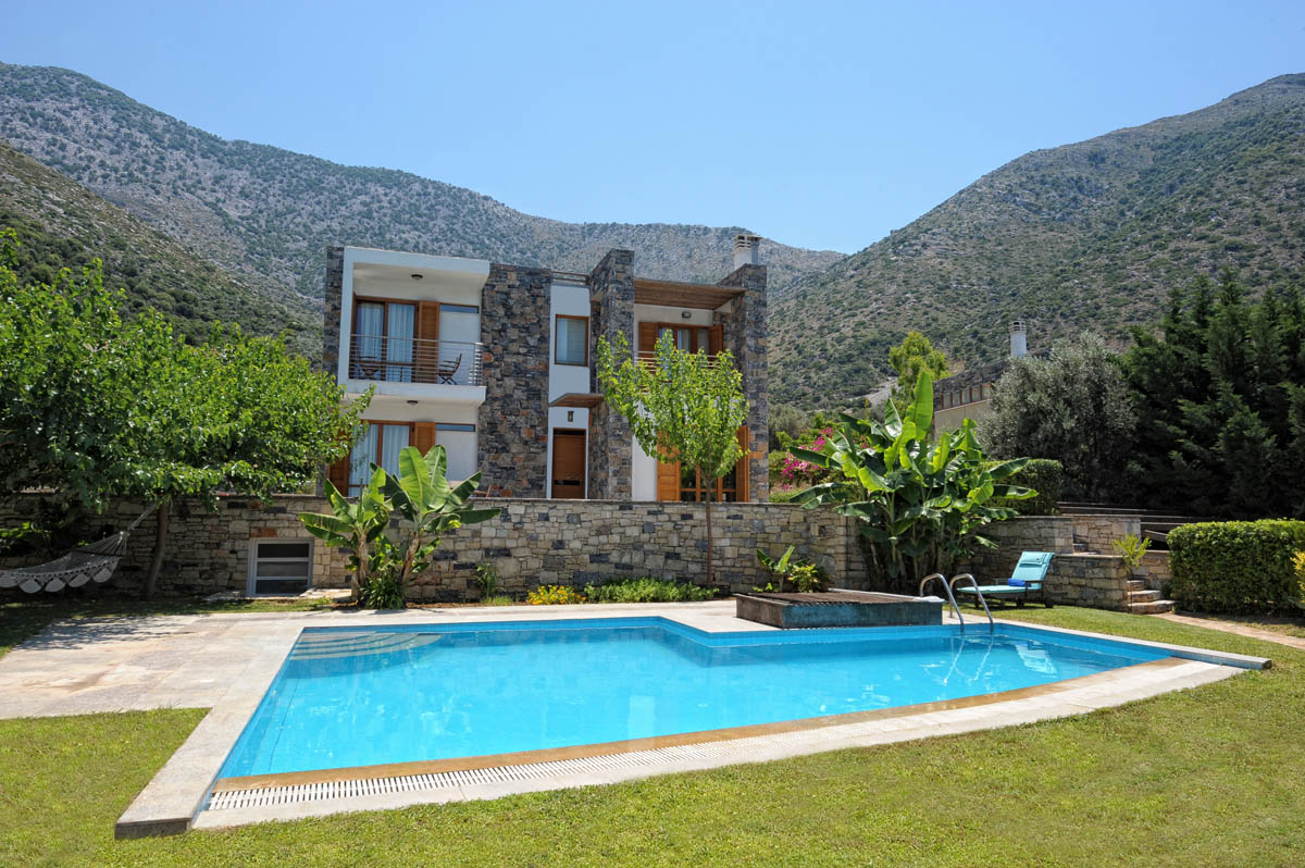Ilios 3bd Traditional Villa