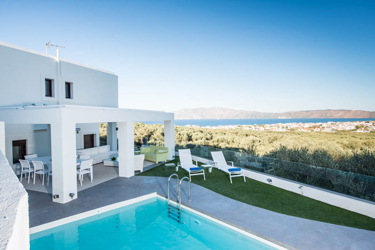 White 5 Bedroom Luxury Villa (Private heated pool)