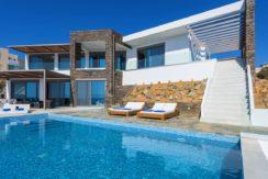 Waterfront Luxury Villa (Heated pool)