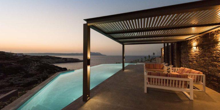 rental villa Chania pool area 4