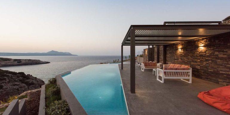 rental villa Chania pool area 5