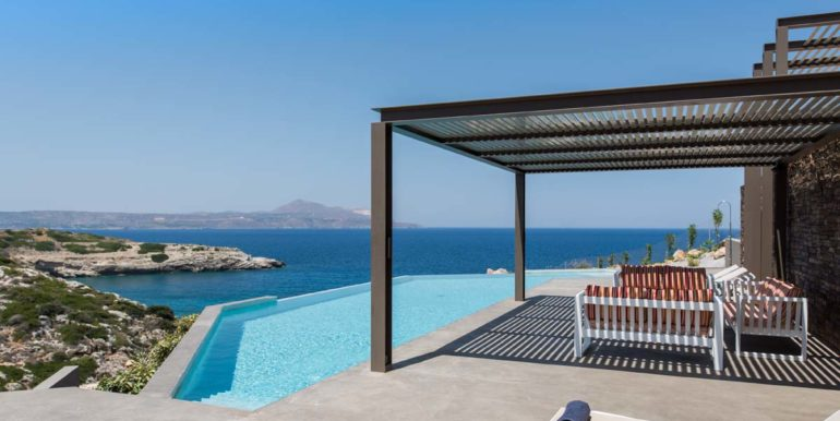 rental villa Chania pool area
