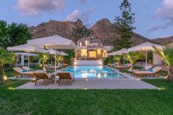 Asterion 5Bd Luxury Villa (Heated Pool)