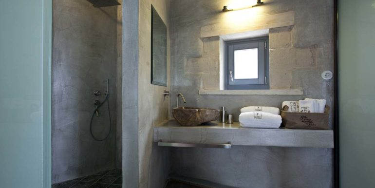 Villa Athermigo Rodia Bathroom