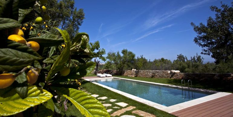 Villa Athermigo Swimming Pool by Day