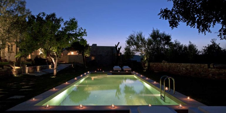 Villa Athermigo-Swimming Pool by Night