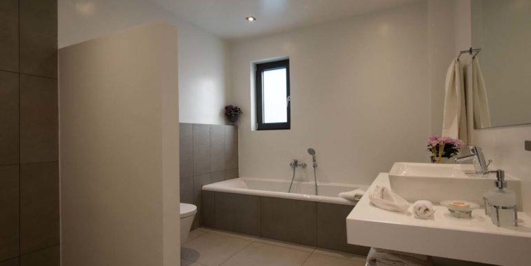 Villa Karga bedroom 1 ground floor - bathroom_1