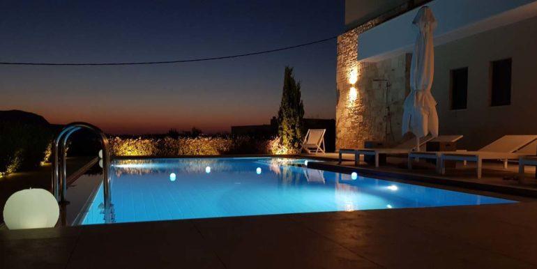 Villa Karga by night