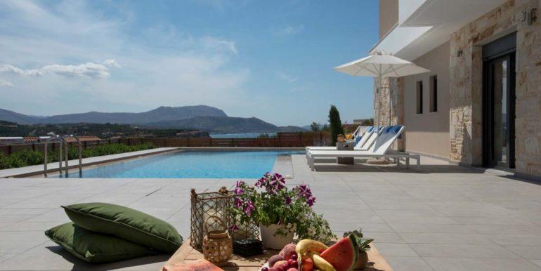 Villa Karga by the pool_5