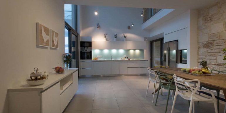 Villa Karga kitchen_4